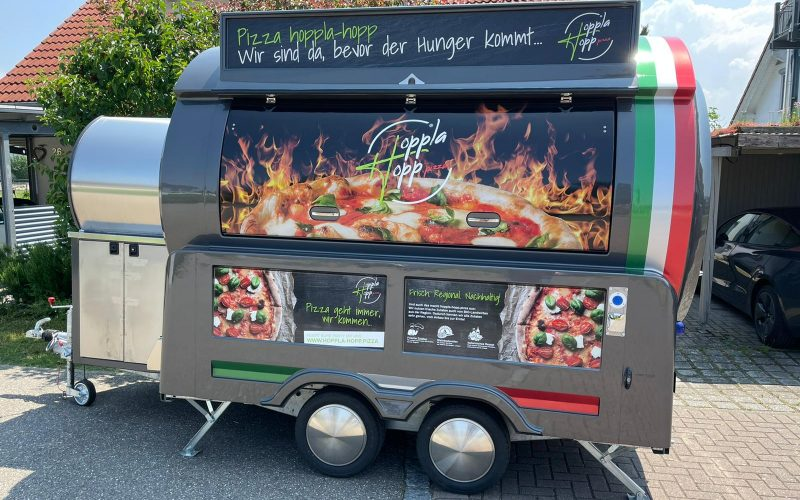 Voorbeeld pizzawagen van Pizza hoppla hop